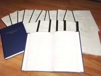 Für jeden Sprecher braucht es ein eigenes Dialogbuch. In Blau: Mein eigenes Exemplar, die Komplettfassung.